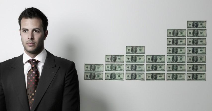 金融 銀行 違い