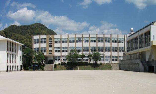 コロナ 小学校 休業