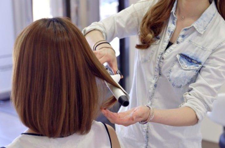 コロナ 美容師 助成金 融資
